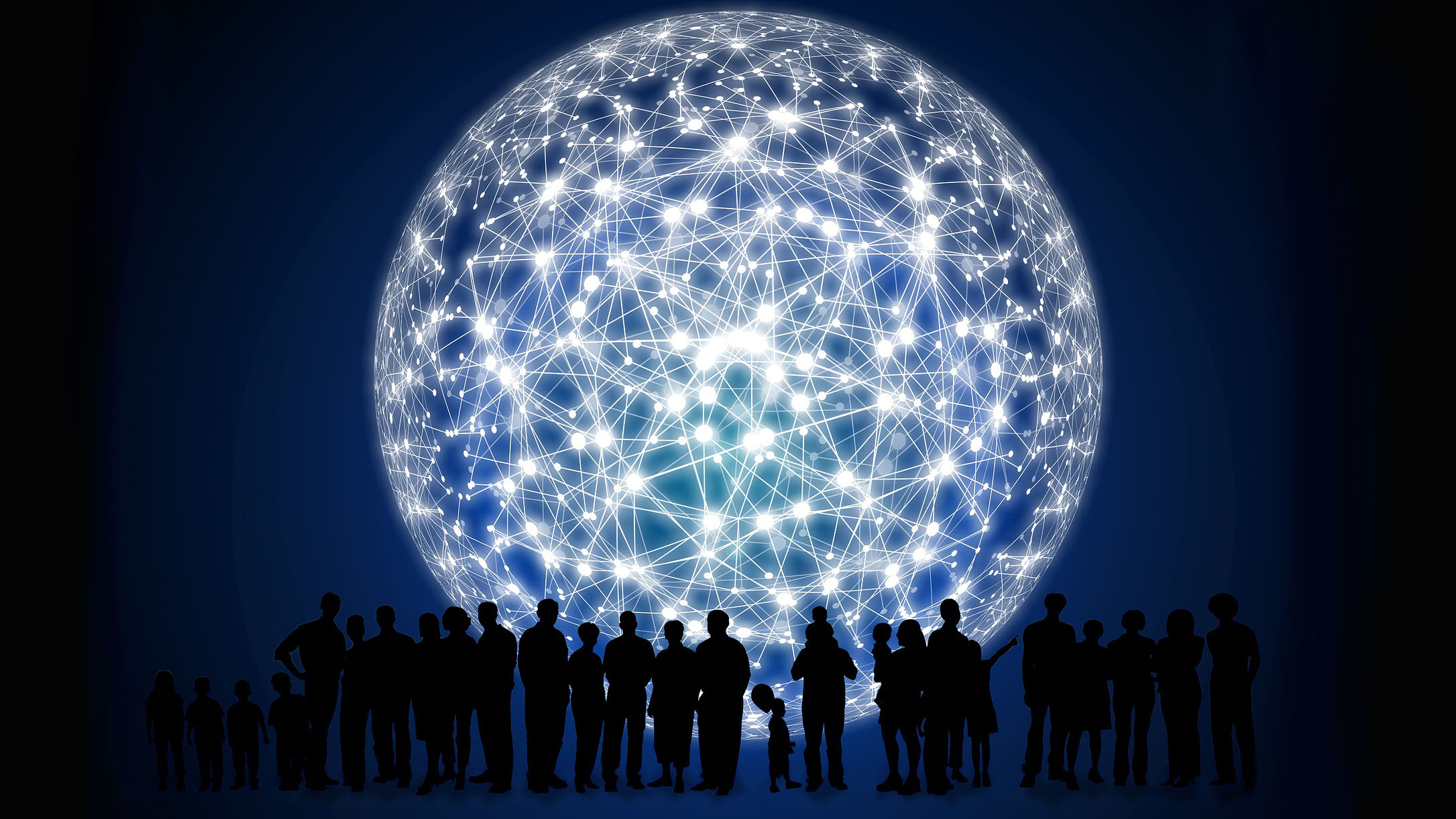 Une rangée de silhouettes humaines devant un réseau en format de lune géante