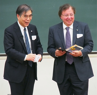 Howard Alper is made honorary member of the Chemical Society of Japan